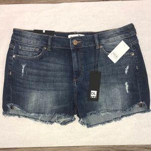DL1961 Karlie Boyfriend Shorts Smart Denim NWT 30